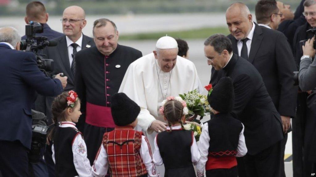 Papa Françesku nga Bullgaria: Të ngushtohet hendeku mes të varfëve dhe të pasurve
