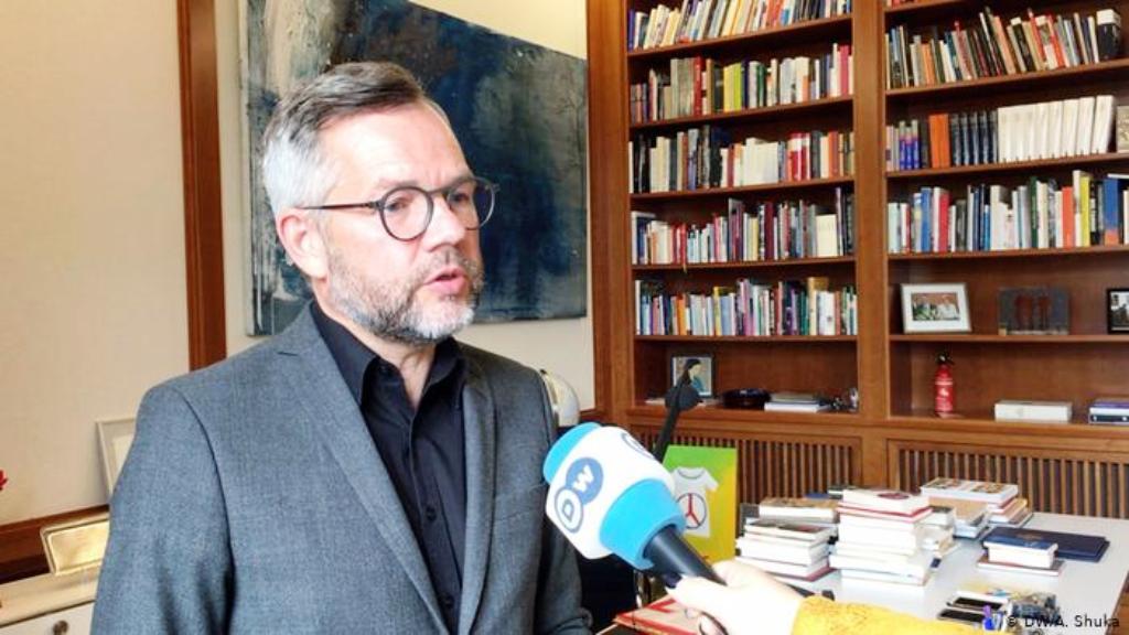 Michael Roth: BE-ja duhet të çelë negociatat me Shqipërinë