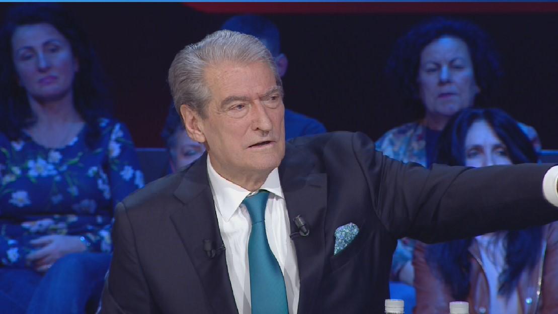 E pathëna e Berishës dhe biseda me Xhorxh Bushin: Më erdhën në zyrë me harta për të copëtuar Kosovën