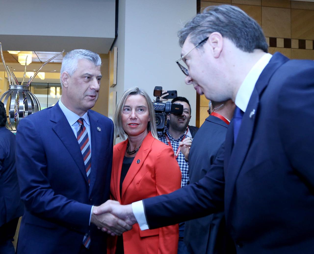Përplasja me Thaçin, Vuçiç: I fola serbisht!