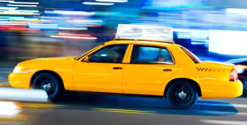HISTORI TRAGJIKE/ E braktis i dashuri, vajza pi helmin dhe vdes në taksi. Policia fsheh ngjarjen