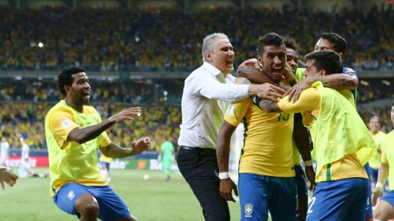 Trajneri i Brazilit lë jashtë skuadrës yjet