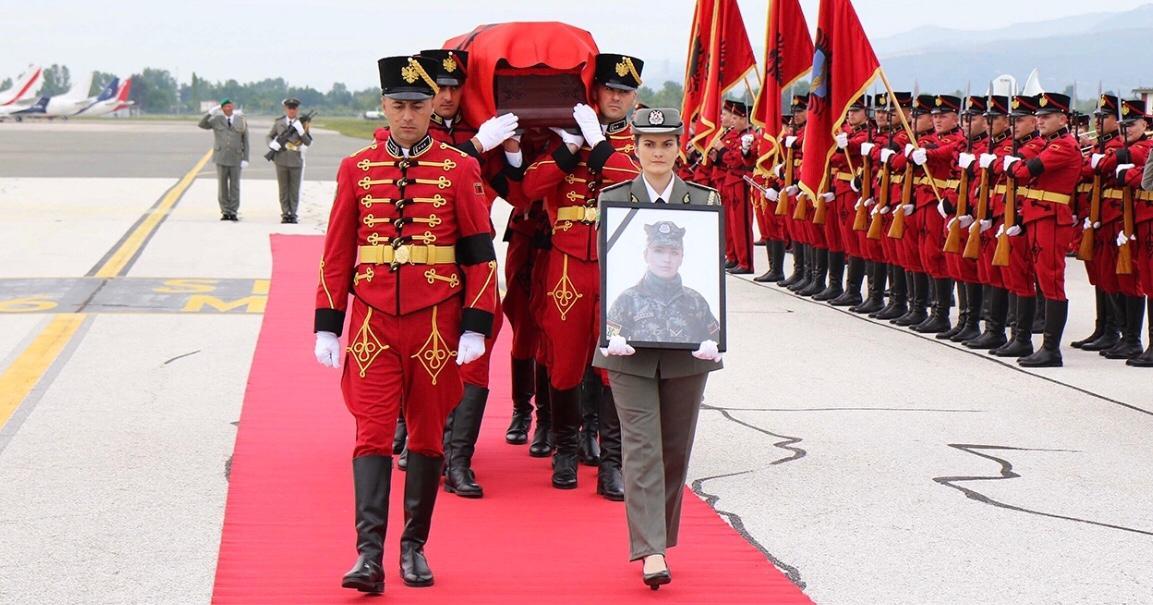 Homazhe dhe ceremoni shtetërore për nëntetaren Zarife Hasanaj, do të përjetësohet në Varrezat e Dëshmorëve