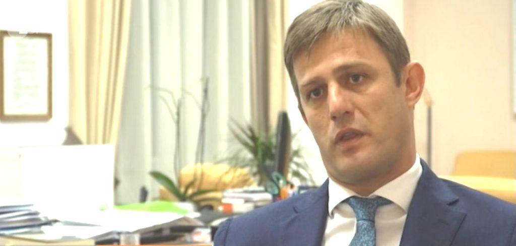 """""""Kërcënimi"""" ndaj ambasadorit të OSBE-së, Borcharcdt, zëvendësministi i Brendshëm, Hodaj: Dihen frymëzuesit"""