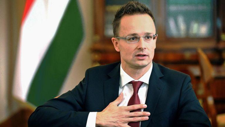 Ministri hungarez mesazh ndërkombëtarëve: Askush nuk mund të jetë më shqiptar, sesa vet shqiptarët