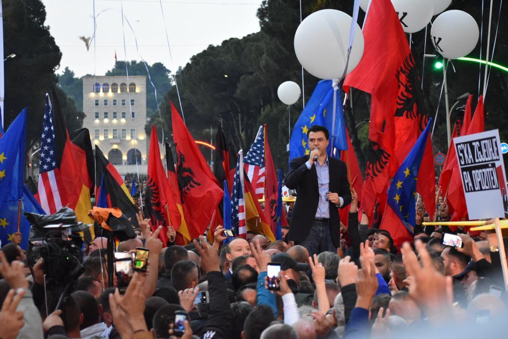 Opozita thërret protestën e re më 8 qershor, Basha: Të shtunën do të flasë sovrani