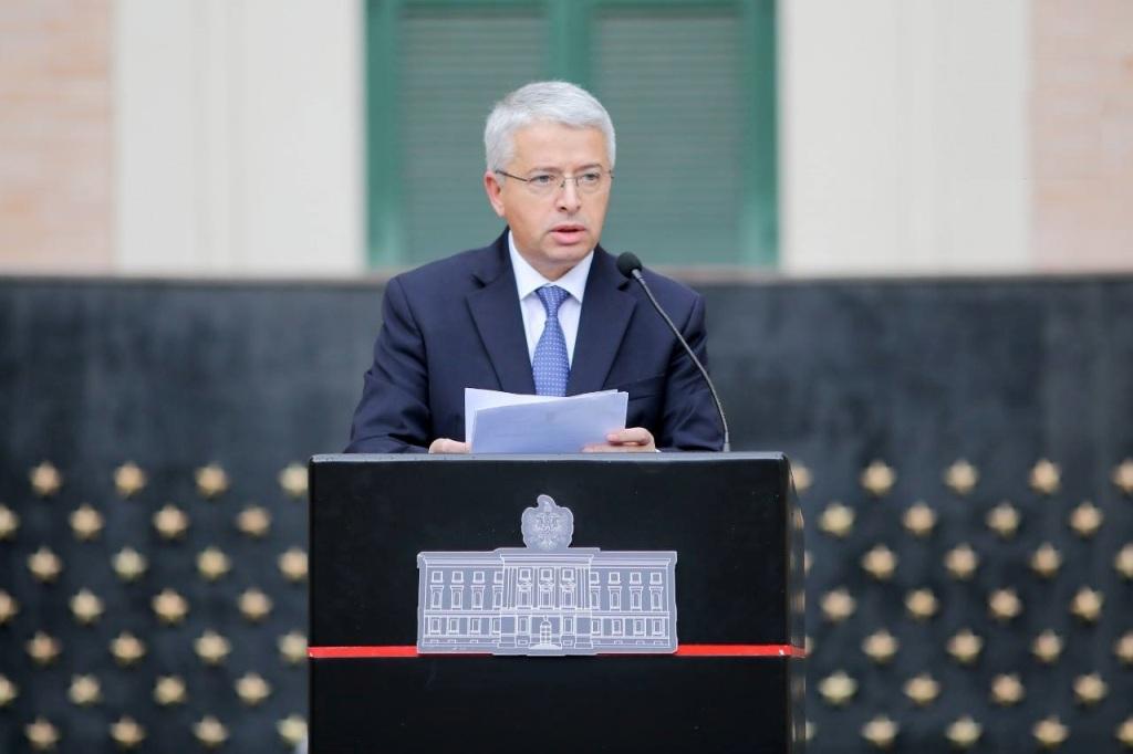 Qeveria sulmon tv shtetëror italian, e akuzon për fake news