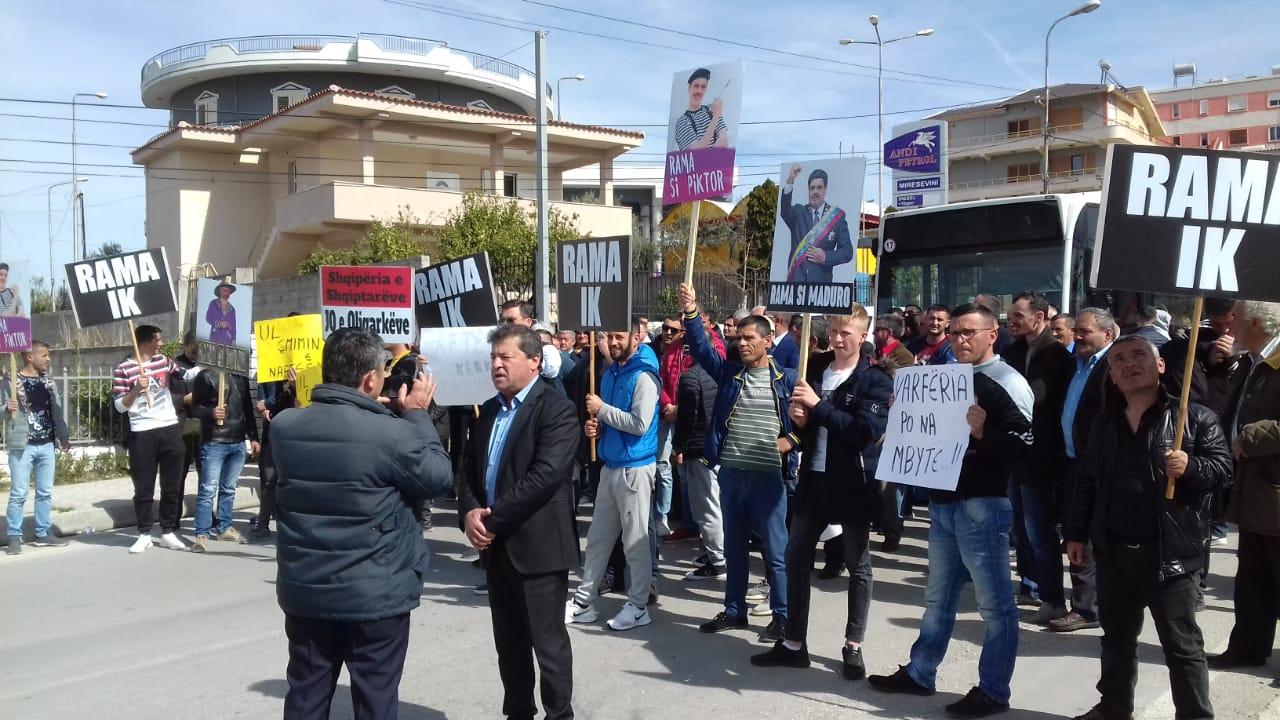Rama pritet me protesta në bashkitë e Fierit: Kriza është krijuar nga opozita, zgjedhjet nuk preken