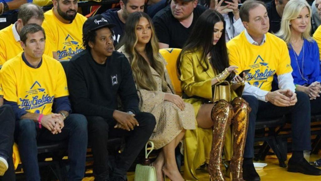 Biseda me Jay-Z që bëri xheloze Beyonce, kërcënohet me vdekje gruaja e miliarderit amerikan (Foto)