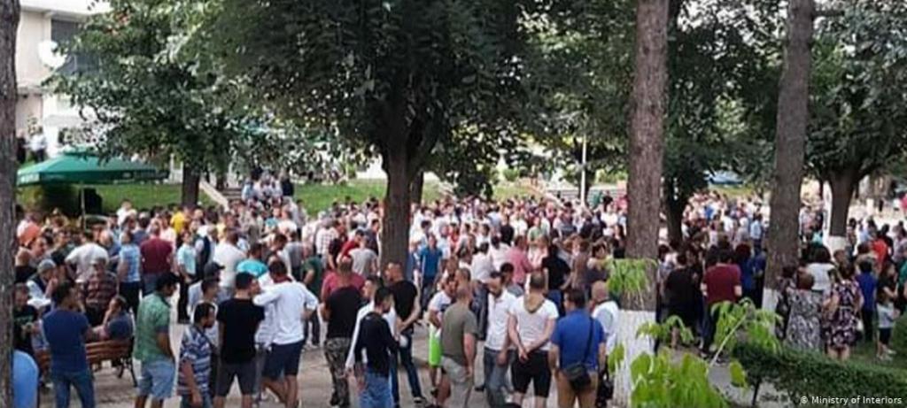 Media gjermane: Heshtje zgjedhore me incidente të mosbindjes civile në Shqipëri
