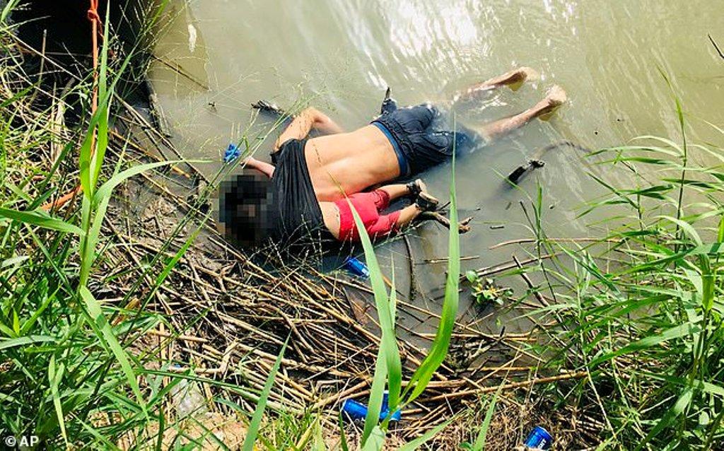 Përqafimi i fundit/ Vogëlushja mbytet bashkë me të atin, në tentativë për të kaluar lumin