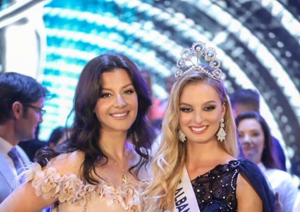 """Entuziazmi i Floriana Garos, pas triumfit të volejbollistes në """"Miss Univers Albania 2019"""" (Foto)"""