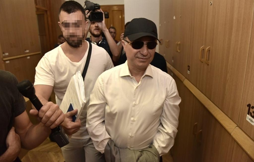 Gruevsi pas arrestimit në Budapest fsheh prangat para mediave, gjykata refuzon ekstradimin e tij