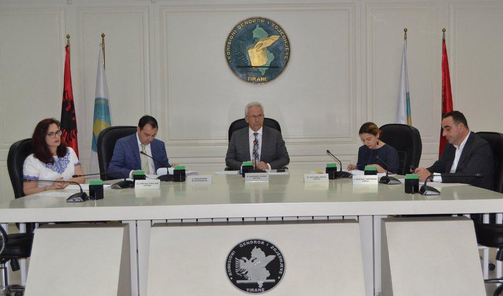 """KQZ nuk """"njeh"""" Presidentin/ Rikthehet Zguri, miratohet kërkesa e OSBE-ODIHR për zgjedhjet e 30 qershorit"""