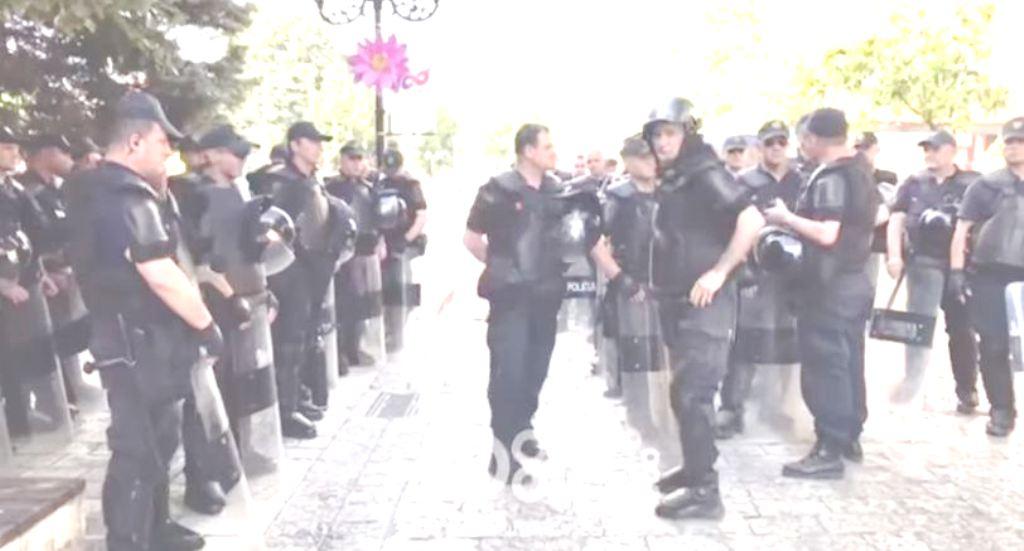 """Takimi elektoral i Edi Ramës, Shkodra """"mbushet"""" me policë, kryebashkiakja s'dha leje për mitingun"""
