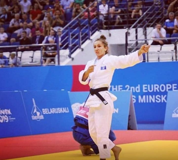 U shpall kampione e Europës, Kelmendi ia dedikon medaljen e arit djalit të tezes (i ndarë nga jeta)