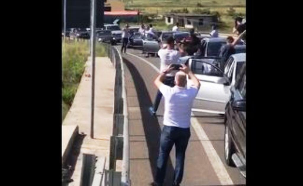 Protesta, qindra automjete po janë rrugës për në Tiranë