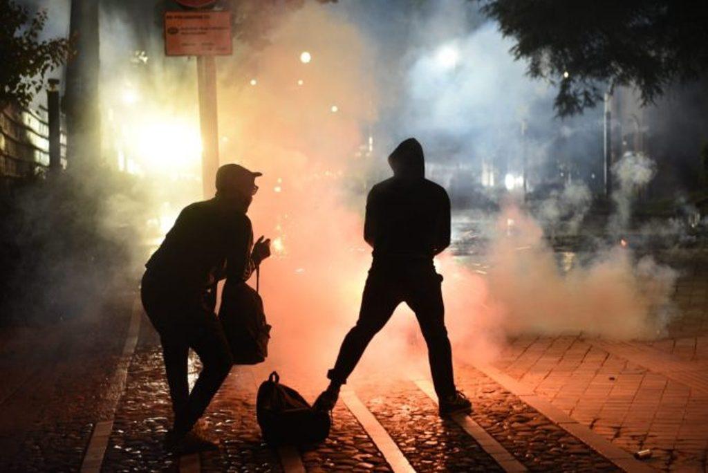 Policia referon në prokurori 15 protestues, akuzohen se lënduan edhe protestues të tjerë (emrat)