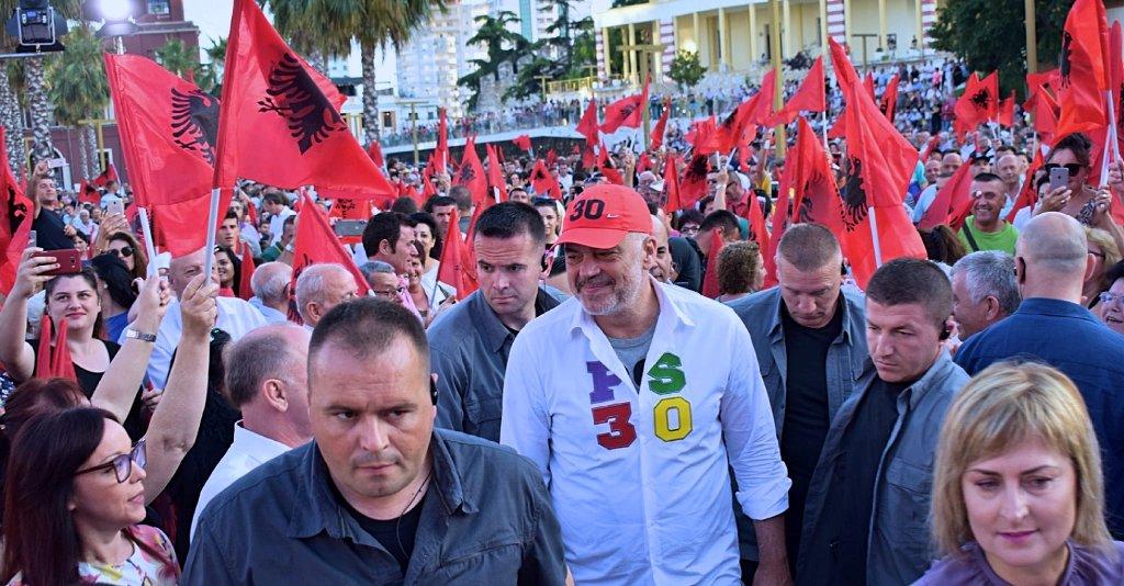 """Rama """"i blinduar"""" mbyll sot fushatën në Kukës, opozita në protestë për  """"8 orë"""""""