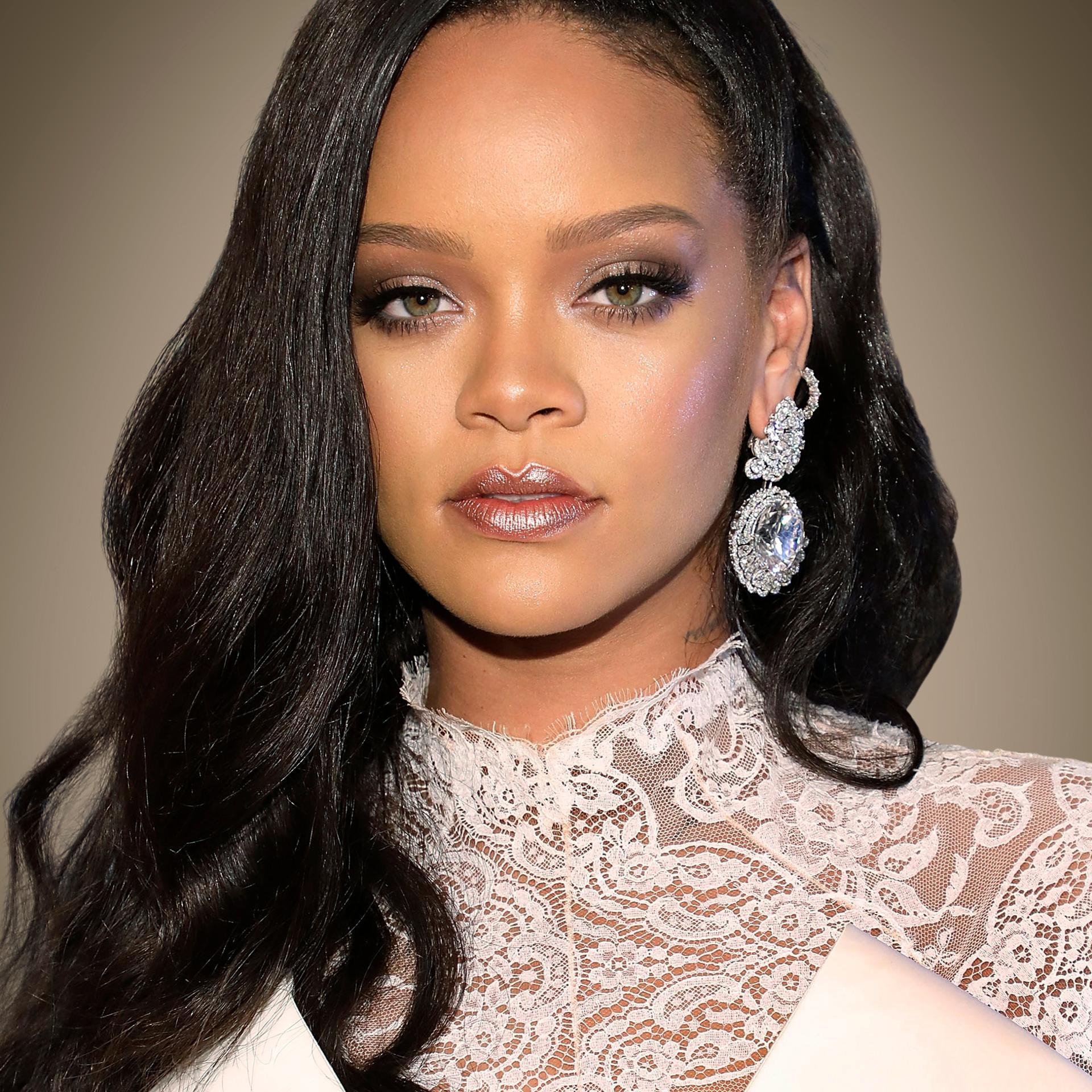 Rihanna këngëtarja më e pasur në botë, ja sa shkon pasuria e saj