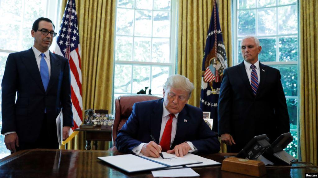 Trump firmos sanksione të reja ndaj Iranit