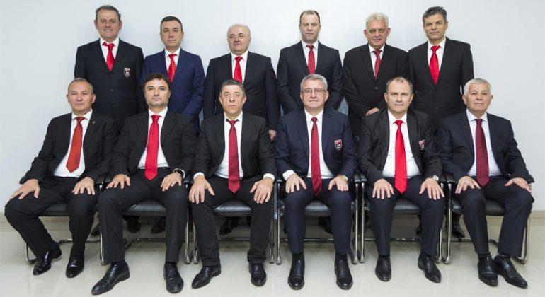 Komiteti Ekzekutiv i FSHF-së kërcënon me mospjesëmarrje klubet e Superligës për financat