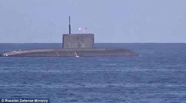Zjarri në bordin e nëndetëses bërthamore ruse i merr jetën 14 marinarëve