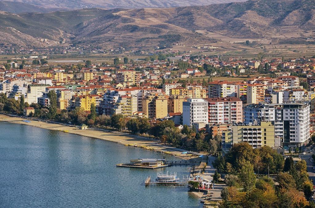 """""""Transferta"""" / Pronares pensioniste nga Pogradeci gjykata i vendos sekuestro 4 apartamenteve në Tiranë"""