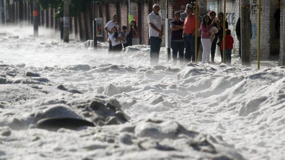 Breshër në Meksikë/ Akulli me trashësi 1.5 m mbulon Guadalajaran