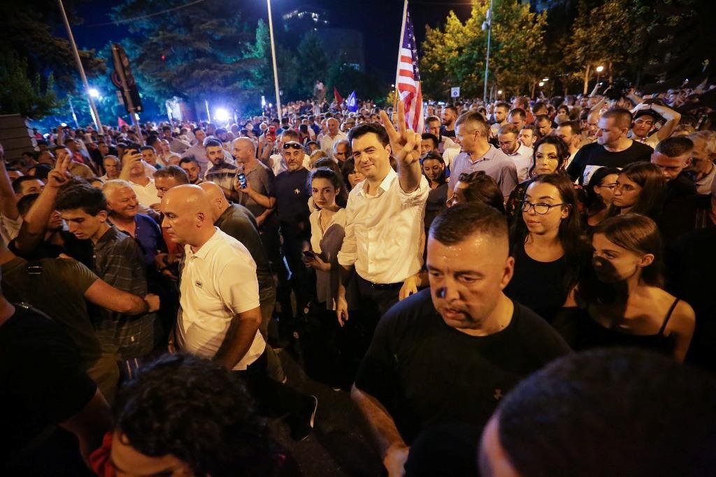 """""""Prioriteti numër një!"""" Basha falënderon përkrahësit pas protestës dhe flet për të ardhmen"""