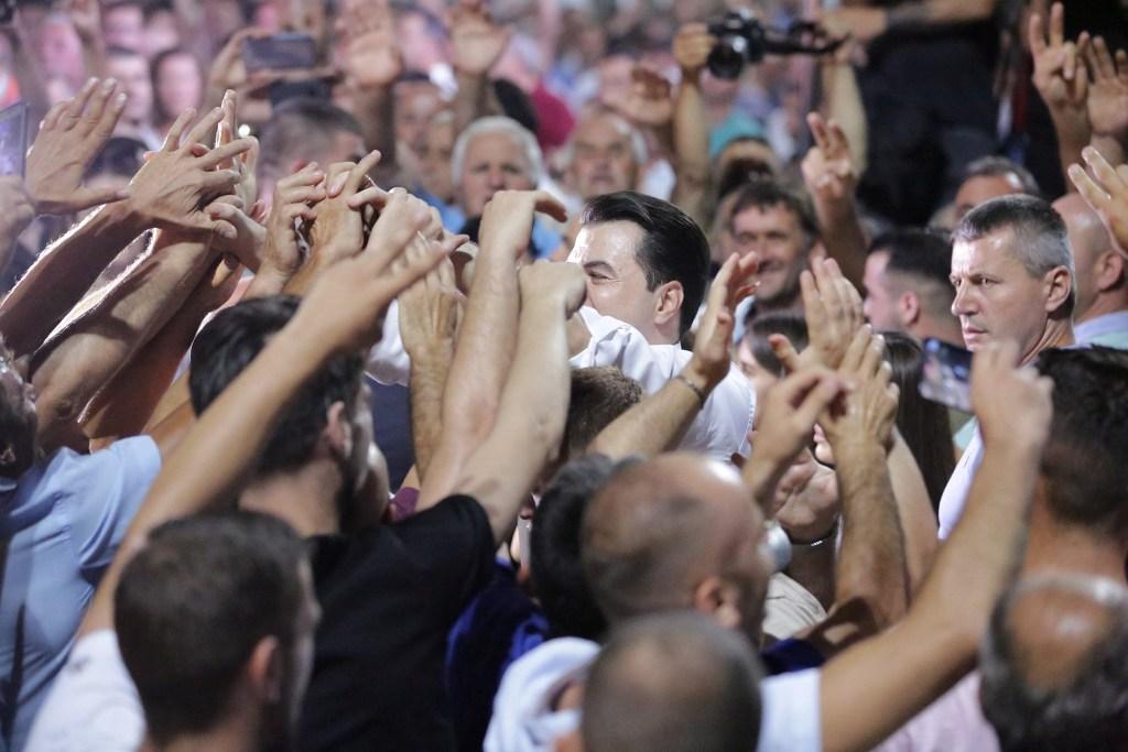 Basha: Shumica absolute e shqiptarëve e bindur për largimin e Ramës, qeveria e ardhshme çel negociatat me BE-në