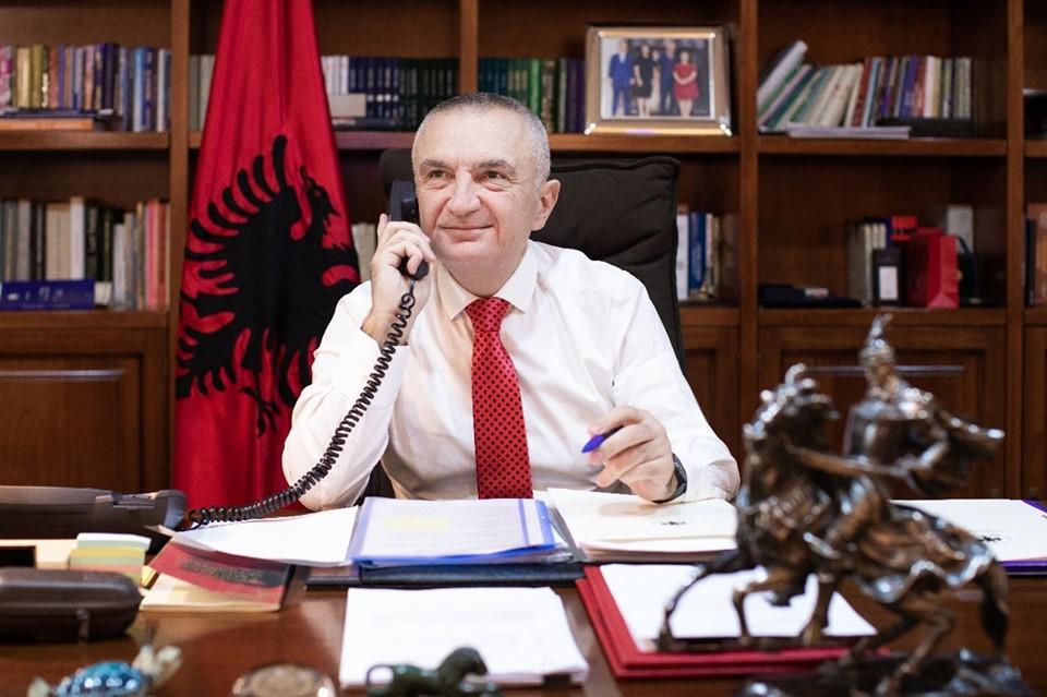 Presidenti uron Mitsotakisin: Progresi i Greqisë, i rëndësishëm për të gjithë shqiptarët që jetojnë atje