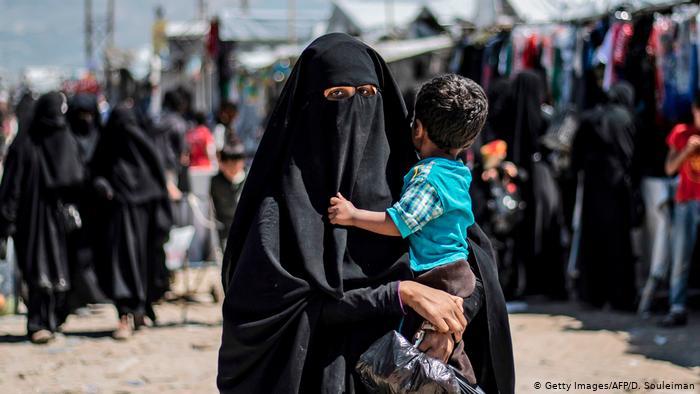 A duhet t'i pranojë Gjermania familjet e anëtarëve të IS-it?