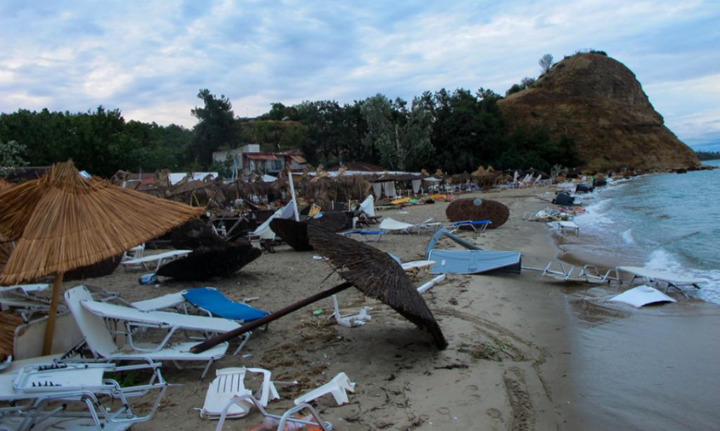 """""""Apokalipsi"""" godet veriun e Greqisë, humbin jetën 6 turistë, mbi 100 të plagosur (Foto)"""
