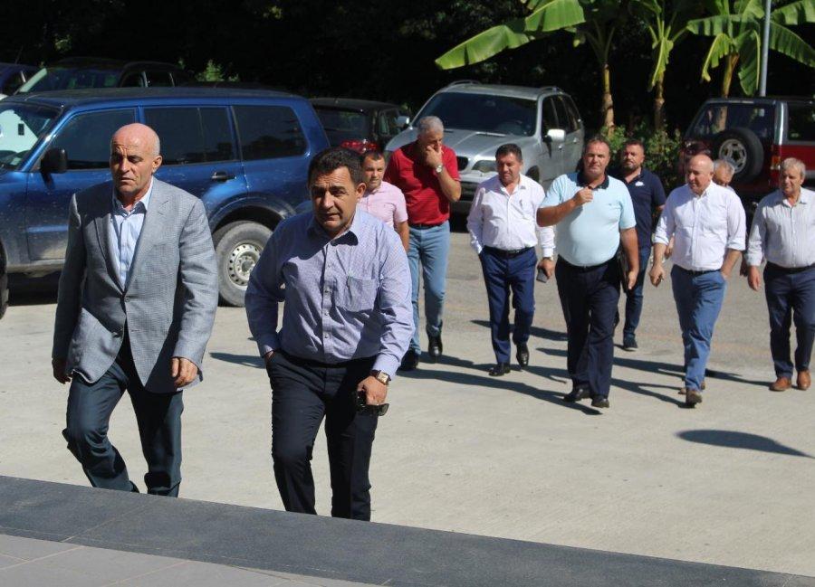 Vazhdimi i aksionit opozitar, Basha mbledh kryetarët e bashkive të djathta