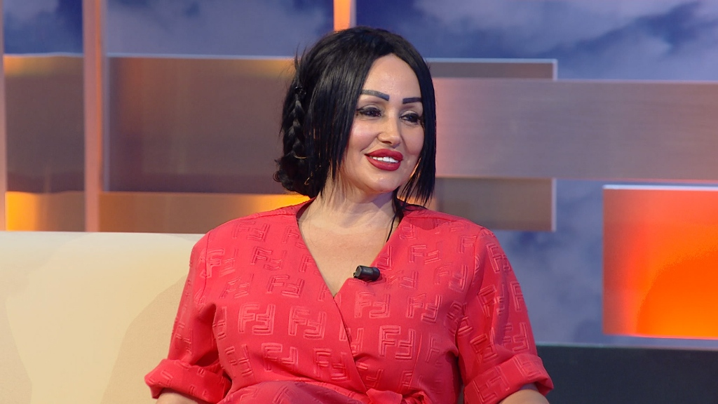 """Dikur dhanë lajmin se """"ajo kishte vdekur"""", Elda Shabani rikthehet brune dhe si """"goc tirone"""""""