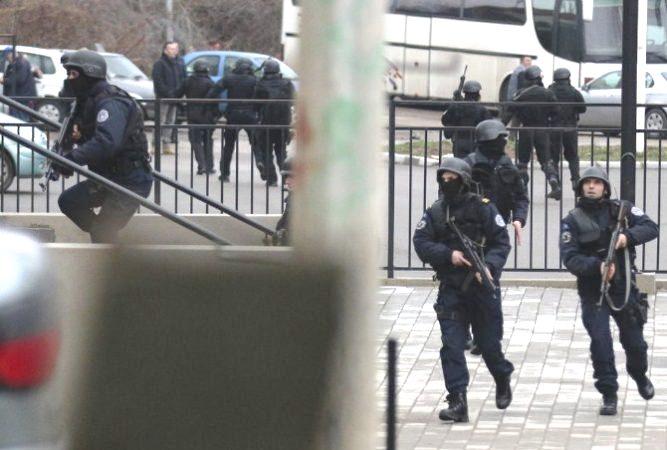 Policia e Kosovës në aksion për arrestimin e disa zyrtarëve të korruptuar