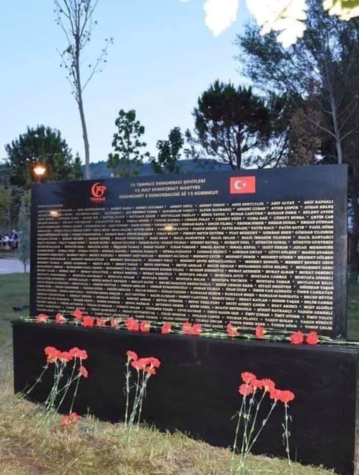 Enigma e Memorialit në Tiranë, kushtuar viktimave të grushtit të shtetit në Turqi