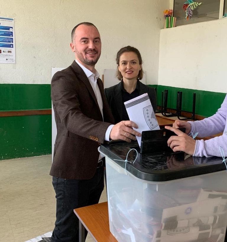"""Ndryshe nga Gent Cakaj, ministres Besa Shahini """"i lexohet"""" vota"""
