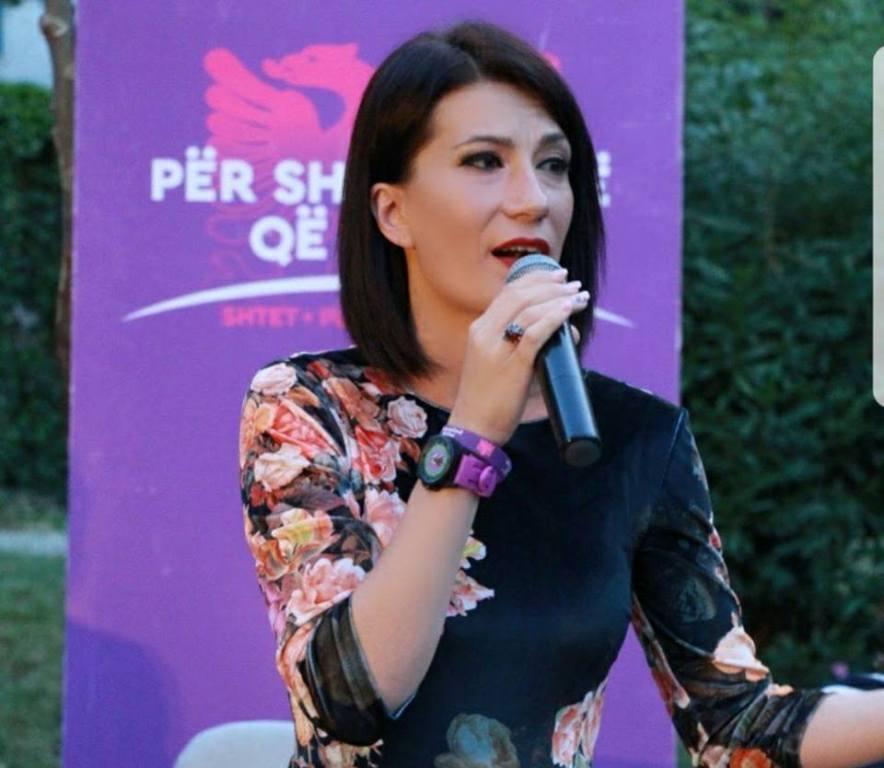 """""""Vetëm 10 ditë drejtoreshë"""", dorëhiqet papritmas kreu i Hipotekës së Vlorës, Elona Hodaj"""