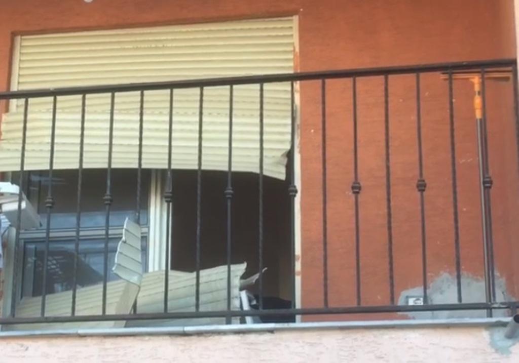 """Tronditet Kavaja/ """"I ftuari"""" vritet brenda banesës së një gruaje, plagoset polici"""