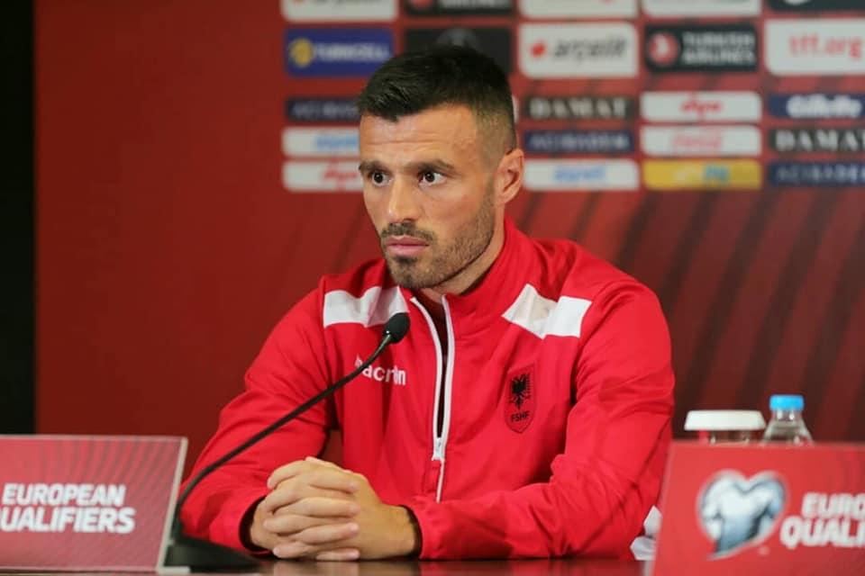 Reja ka ditëlindjen, Memushaj si kapiten ndaj Turqisë flet për dhuratën që lojtarët ikanë bërë trajnerit