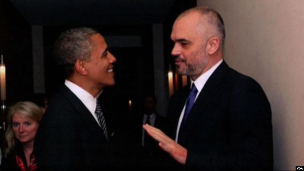 Gjykata amerikane dënon me 4 muaj burg personin që çoi Edi Ramën të bëjë foto me Barak Obamën