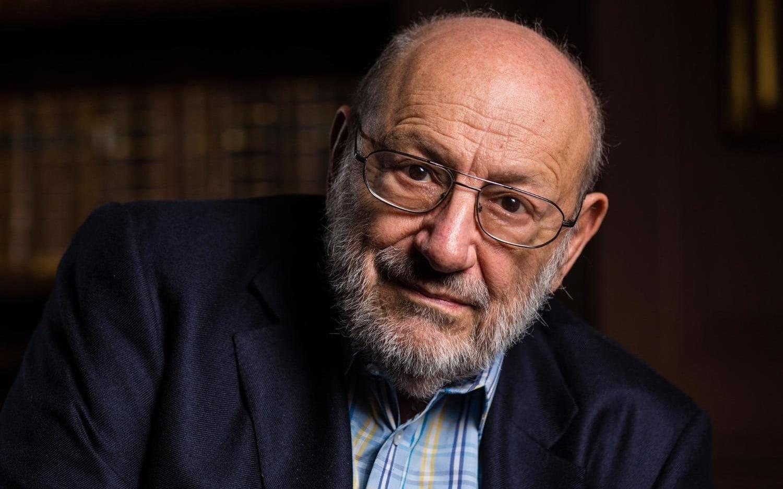 Nga Umberto Eco: Idiotët dhe shtypi i përgjegjshëm