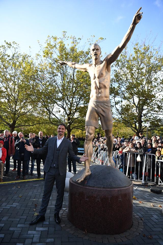 Ibra nderohet me një statujë