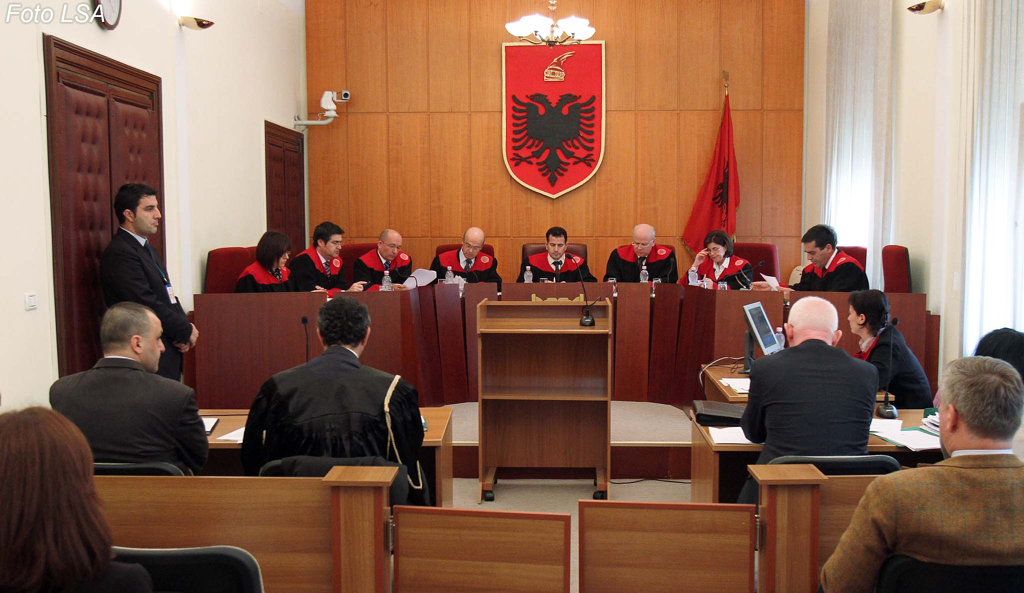 Another member of the Constitutional Court impeached, crisis deepens