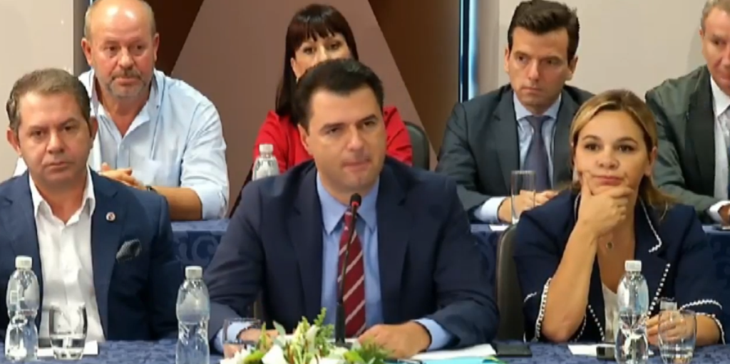 Opposition meets in Vlora, Basha accuses the majority for the number of deaths
