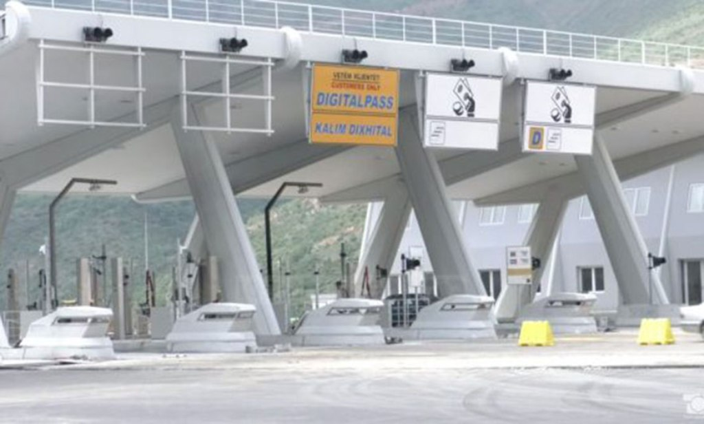 New toll charge for the maintenance of the highway collected without protests
